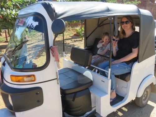 tuktuk transporation to save money